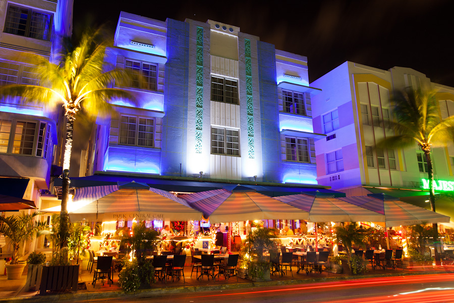 The Park Central On Ocean Drive Miami Beach At Night